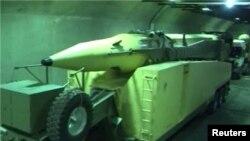تصویری از یک موشک ایران در سیلوهای زیرزمینی