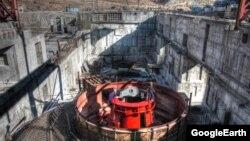 """""""Қамбарата-1"""" ГЭС-інің құрылысы."""