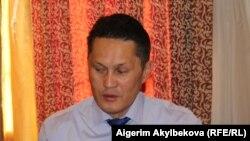 Айбар Султангазиев.