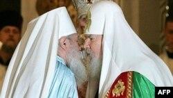 Глава Русской зарубежной церкви (слева) умер на исходе первой недели Великого поста в день Торжества православия