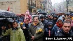 УКРАИНА - Михаил Саакашвили Киевда тарафдорлари орасида.