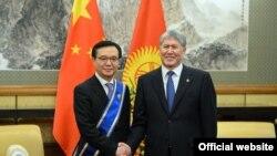 Гао Хучэн и Алмазбек Атамбаев. Пекин, 6 января 2017 года.