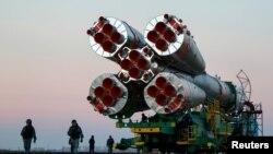 Российская ракета-носитель на пути к стартовой площадке на космодроме Байконур. Иллюстративное фото.