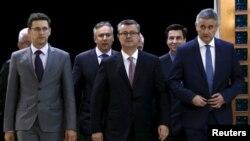 Božo Petrov, Tihomir Orešković i Tomislav Karamarko