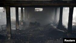 Зруйнована вогнем фабрика на Філіппінах, 14 травня 2015 року