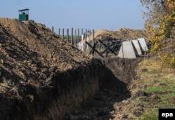 Проект «Стіна» біля прикордонного пункту «Гоптівка» у Харківській області, 15 жовтня 2014 року