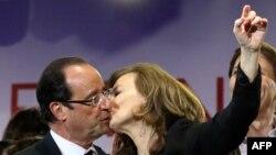 Франсуа Олланд и Валери Трирвейлер.