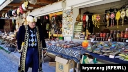 Сувенірні крамниці в селі Ходжа-Сала
