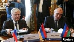 Главы МИД Армении и Азербайджана - Эдвард Налбандян (слева) и Эльмар Мамедъяров (архив)