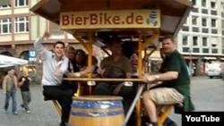 По мнению некоторых, подобное транспортное средство сильно мешает нормальному дорожному движению.