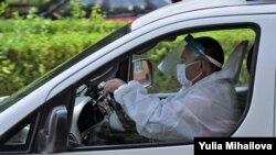 Молдавија - амбулантно возило пренесува заразен со коронавирус