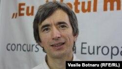 Petru Negură la o dezbatere în studioul Europei Libere la Chișinău