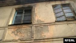 «Finex Corporation Ltd» компаниясының 95 тұрғынға қимай отырған жатақханасының сыртқы сиқы осындай. Алматы, 30 қаңтар, 2009 жыл.