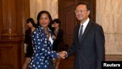 Cоветник президента США по национальной безопасности Сьюзан Райс и министр иностранных дел Китая Ян Цзечи. Пекин, 8 сентября 2014 года.