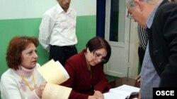 2007-ի մայիսի 12-ի խորհրդարանական ընտրություններ, քվեարկություն Երեւանի ընտրատեղամասերից մեկում