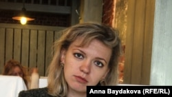 Жена Владимира Макарова, Татьяна, пытается доказать, что с их ребёнком всё в порядке.
