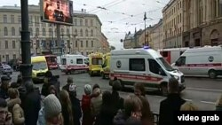 Fifteen people died in a blast on a St. Petersburg subway train on April 3. (file photo)