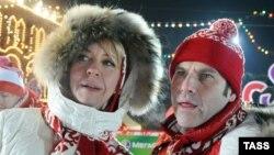 Телеведущие Татьяна Лазарева и Михаил Шац (справа)