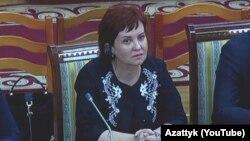Ирина Воронцова Жогорку соттун судьялыгына талапкерлиги каралып жаткан учурда. 23-май, 2018-жыл.
