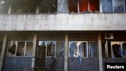 Урядова будівля в Тузлі, 7 лютого 2014 року