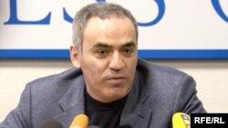 Организаторы Нацассамблеи будут искать консенсус между ранзыми политическими силами России