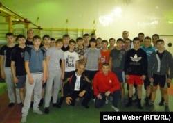 Воспитанники Владимира Шмаргалева и Владимира Хмелева. Темиртау, 21 ноября 2012 года.