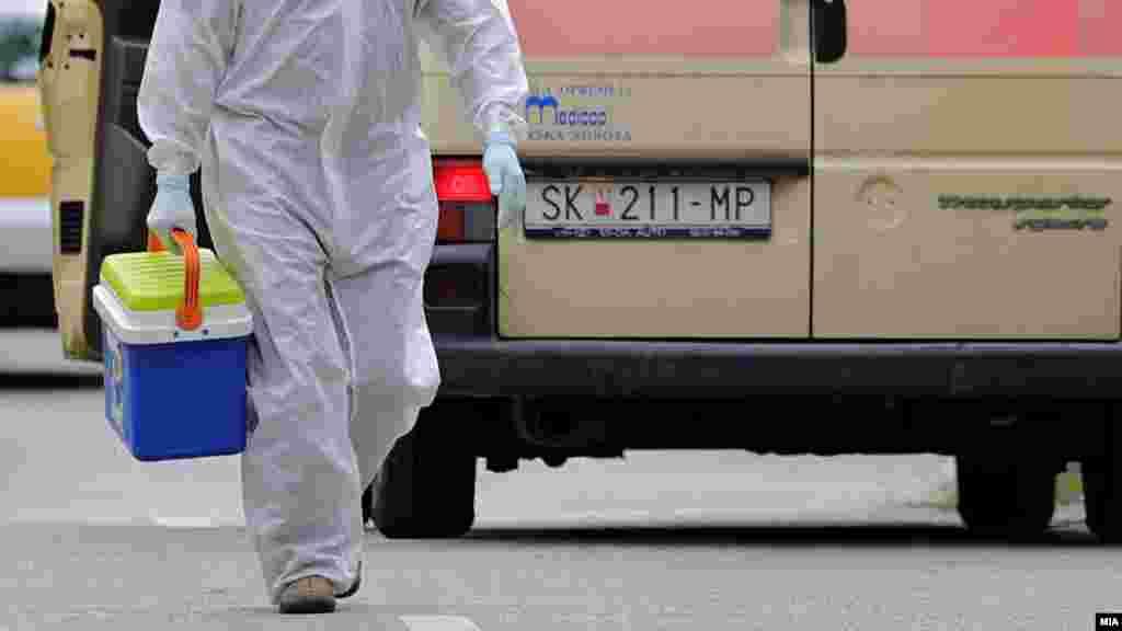 МАКЕДОНИЈА - Во последните 24 часа се направени 1019 тестирања, а регистрирани се 125 нови случаи на ковид-19 и 7 смртни случаи, соопшти Министерството за здравство.