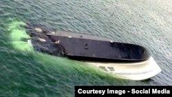 Затонувший катер близ Одессы.