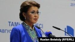 Дариға Назарбаева, сенат депутаты.