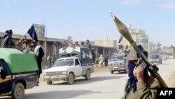 شورشيان در روزهای گذشته حملات خود به ارتش افغانستان و نيروهای خارجی مستقر در اين کشور را ادامه دادند.