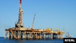 Нефтяная вышка на туркменском шельфе Каспийского моря (иллюстративное фото)