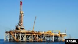 Нефтяная платформа в территориальных водах Туркменистана