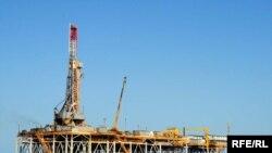 سکوی نفتی در نزدیکی ترکمنستان