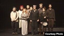 Огнени јазици, театарска претстава.