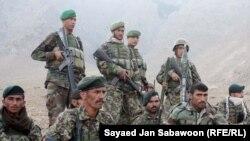 افغان سرتېری د کابل په څنډو کې