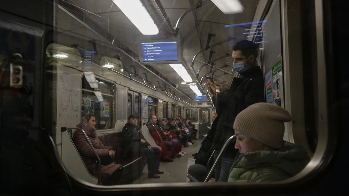 COVID-19: в «ЕС» требуют отменить остановку метро