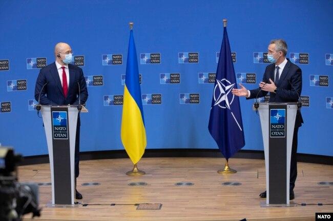Премьер-министр Украины Денис Шмыгаль и генсек НАТО Йенс Столтенберг, 9 февраля 2021 года