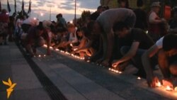 Bosnians Hold Vigil For Baby Who Died Amid ID Debate