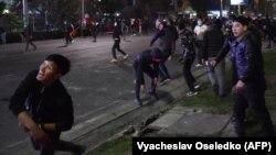 Ղրղըզստան - Ցուցարարների և ոստիկանների բախումները Բիշքեկում, 5-ը հոկտեմբերի, 2020թ.