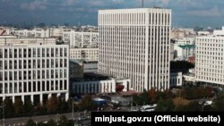 """Clădirea în care își are sediul publicația letonă """"Insider"""""""