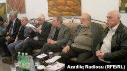Arxiv foto: Ziyalılar Forumunun toplantısı