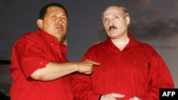 Chavez (left) enjoyed a good relationship with Belarusian President Alyaksandr Lukashenka