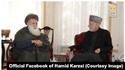 حامد کرزی رئیس جمهور پیشن افغانستان، عبدرب الرسول سیاف رهبر جهادی
