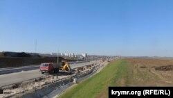 Будівництво автодороги, що веде до Керченського мосту, 5 квітня 2018 року