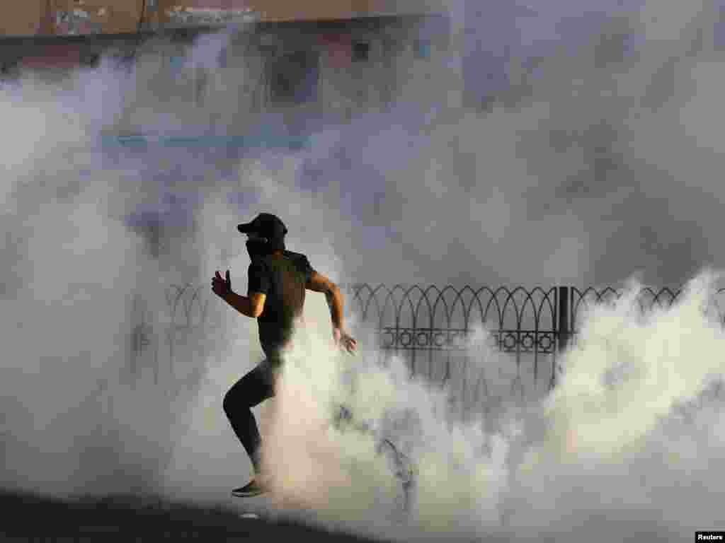 Столкновения в местности Ситра, 12 января 2012.