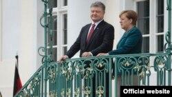 Петр Порошенко и Ангела Меркель, архивное фото