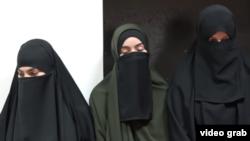 """Скриншот с ЧГТРК """"Грозный"""". Мусульманок отчитывают за никаб"""