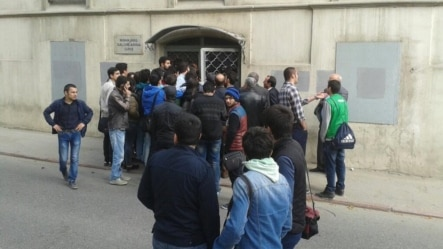 Azerbaijan - Crowd in front of the court of NIDA Civic Movement in Baku - 25Apr2014