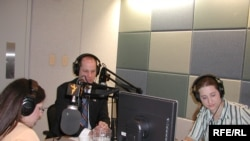 «Azad Avropa/Azadlıq» radioları 28 dildə yayımlanır