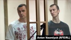 Олег Сенцов и Александр Кольченко на суде в Ростове-на-Дону